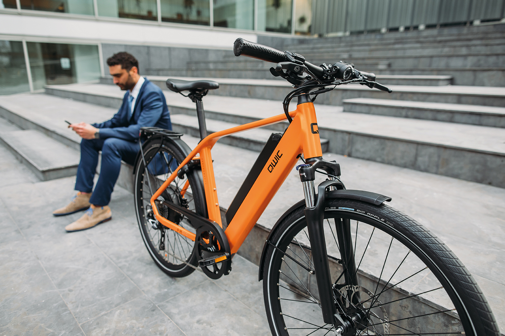 elektrische fietsen dutch design e bikes van qwic. Black Bedroom Furniture Sets. Home Design Ideas