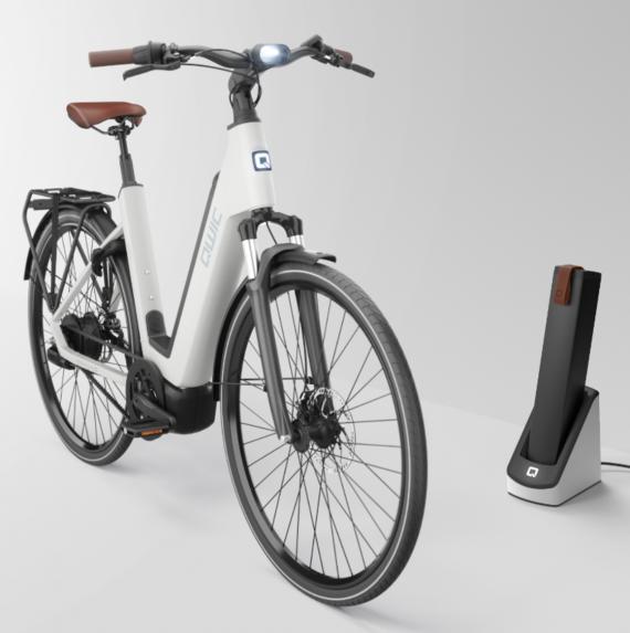 QWIC Premium Q met Fast charging station